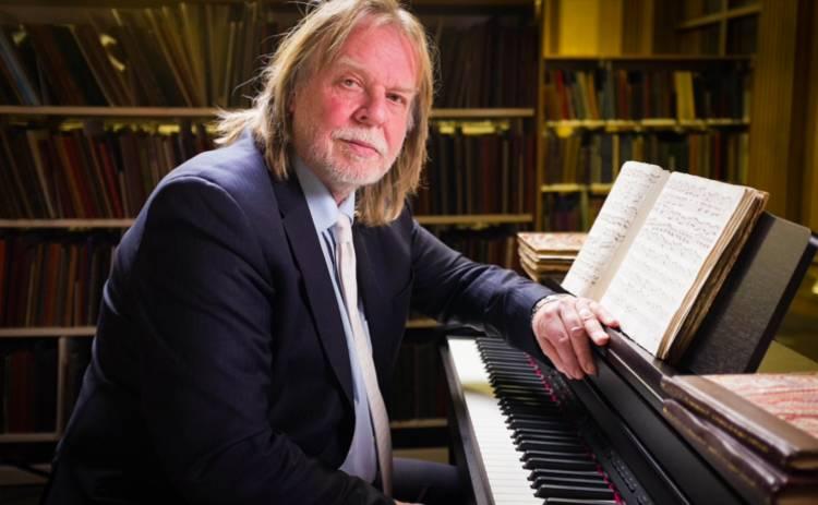 Легендарный Рик Уэйкман едет в Украину с симфоническим оркестром