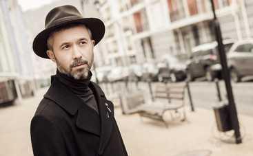 Сергей Бабкин исполнил легендарный хит босиком на крыше «Танців з зірками»