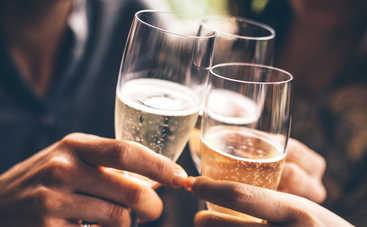 Ученые объяснили тягу человечества к алкогольным напиткам
