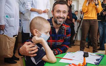 Украинские звезды исполняют желания болеющих детей
