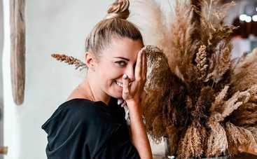 20-летняя дочь Тони Матвиенко поделилась пикантным фото в купальнике