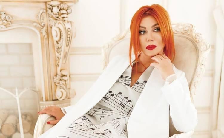 Ирина Билык впервые вышла на красную дорожку с мужем и сыном Табризом