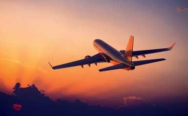 Медики рассказали о неожиданных опасностях, поджидающих на борту самолета
