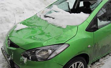 Что делать, если на авто упала глыба льда: советы юриста