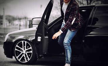 «Голландский поворот» или зачем открывать дверь в авто правой рукой