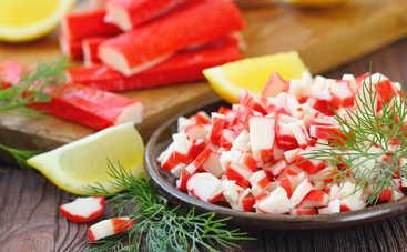 Звездный гость вашего стола! Салат с крабовыми палочками и корейской морковью (рецепт)