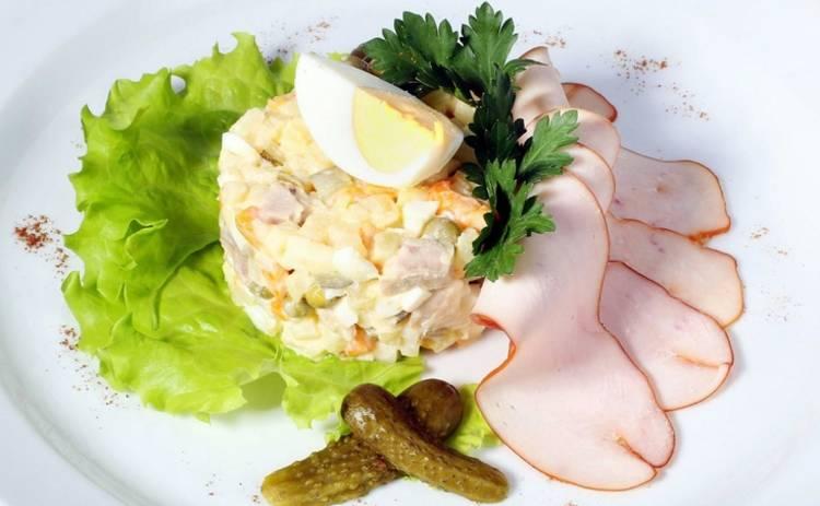 Заливной салат «Оливье»: ваши гости будут в восторге (рецепт)