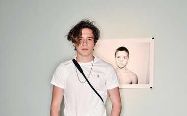 Бруклин Бекхэм показал романтичные фото с новой девушкой-моделью