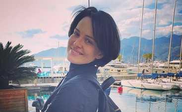 Прикрылась фатином: Даша Астафьева разделась для рекламы парфюмов