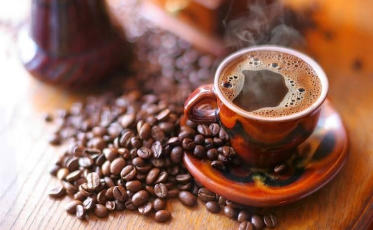 Можно ли проснуться без кофе? Медики назвали три действенных способа