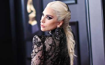 Леди Гага шокировала новым образом Мальвины