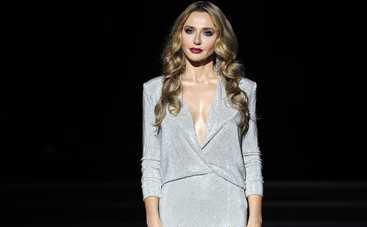 Эффектный желтый! Оксана Марченко восхитила роскошным новогодним нарядом