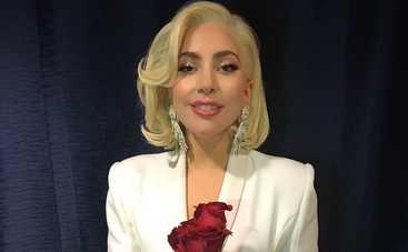 Леди Гага появилась на красной дорожке в наряде стоимостью 5 млн долларов