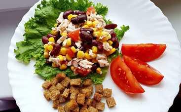 Сказочно вкусный салат с курицей, сухариками и сыром (рецепт)