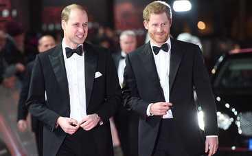 Принц Уильям оконфузился, появившись на форуме в дырявом ботинке