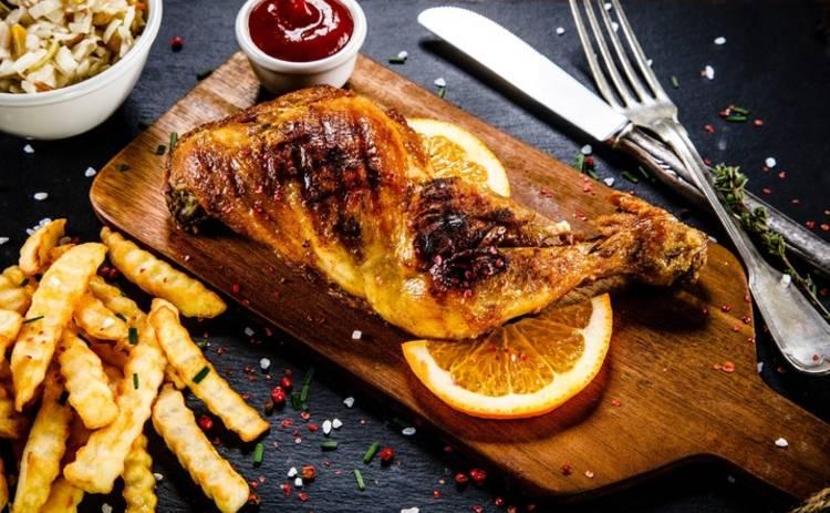 Кулинарный комплимент для всей семьи! Запеченное мясо с картофелем и сыром (рецепт)