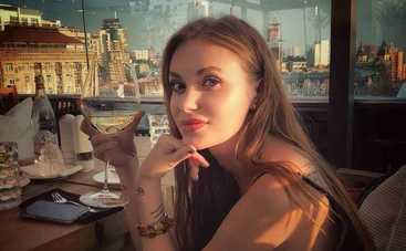 «Идеальная»: Слава Каминская восхитила пикантным фото в нижнем белье