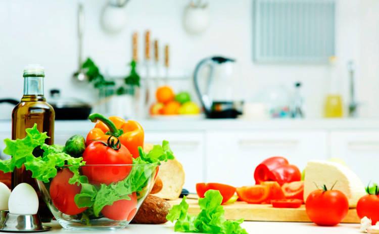 Классика вне времени! Салат «Муравейник» с овощами и курицей (рецепт)