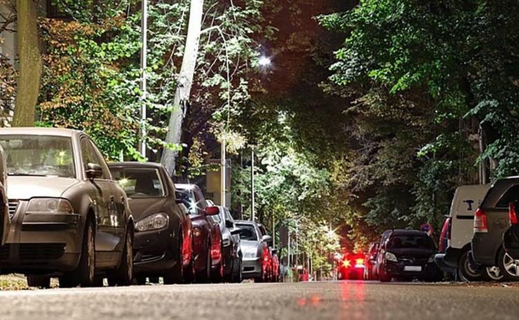 Напоминание для водителей: новые правила эвакуации неправильно припаркованных авто