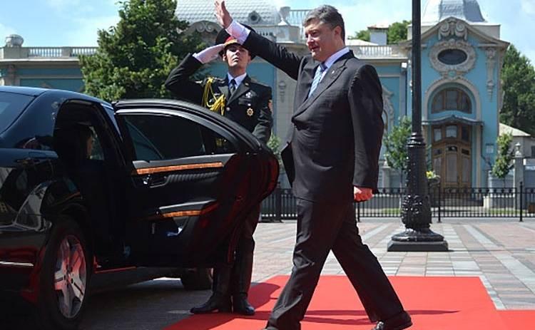 Машины политиков: на чем ездит Петр Порошенко