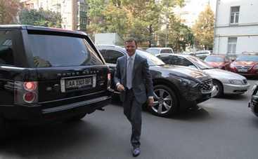 Машины политиков: на чем ездит Олег Ляшко