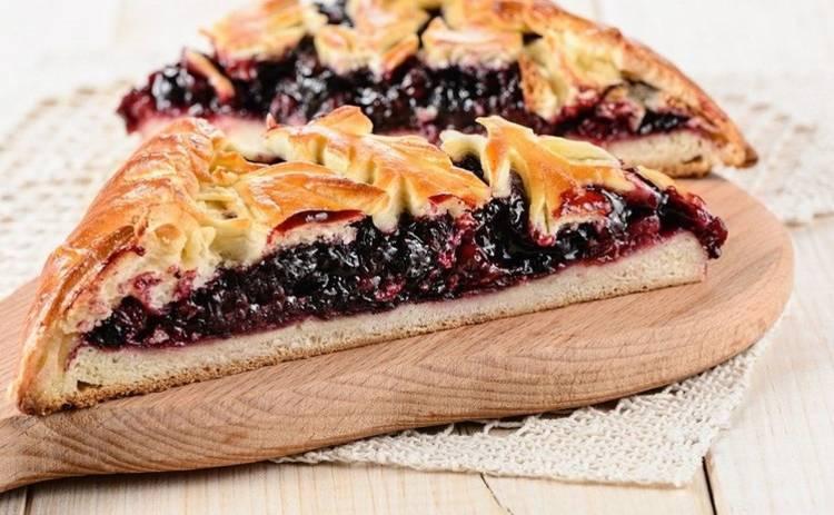 8 марта: пирог с лесными ягодами (рецепт)