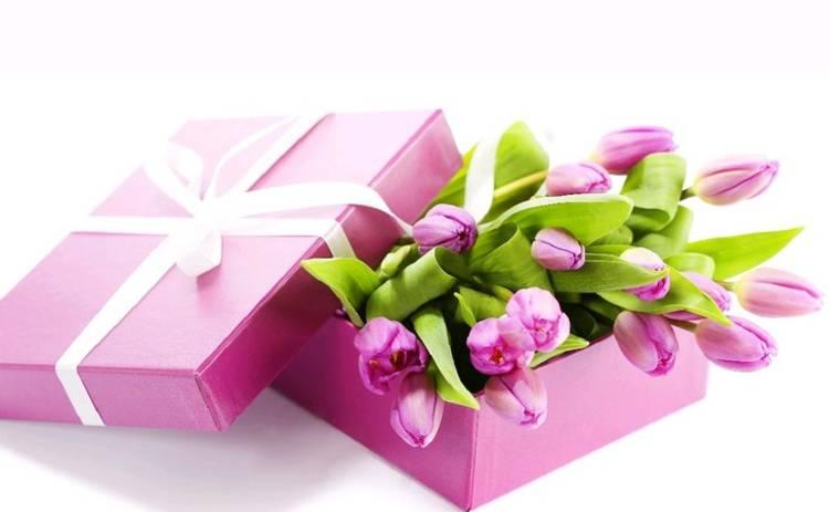 ТОП-5 интересных идей на 8 марта: что заказать любимому, как порадовать маму и подругу