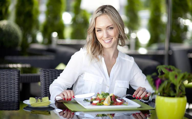 Как поесть в кафе и не отравиться: советы эксперта