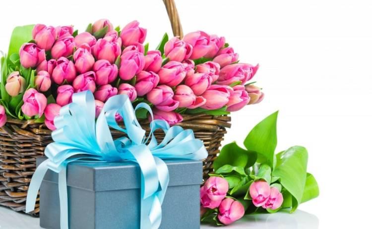 Она точно будет довольна: беспроигрышные подарки женщине на 8 Марта