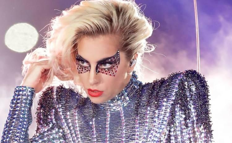 Неожиданно! Леди Гага прокомментировала слухи о романе с Брэдли Купером