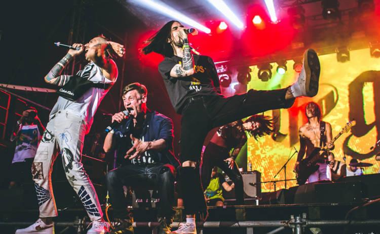 Группа АГОНЬ выпустила ремикс в стиле The Prodigy, выразив дань уважения покойному Киту Флинту