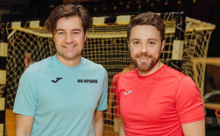 Известный ведущий сыграл в футбол с министром культуры Евгением Нищуком