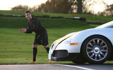 Знаменитый футболист Роналду опять удивляет: покупка на полмиллиона евро