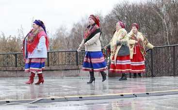 Масленица 2019: в Киеве на Певческом поле встретили весну