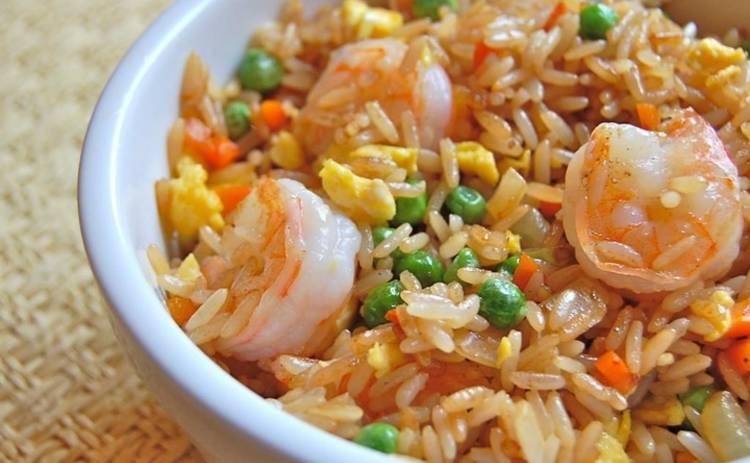 Креветки с рисом и зеленым горошком для гурманов (рецепт)