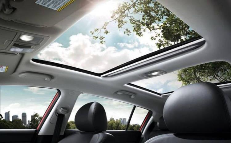 Плюсы панорамной крыши в автомобиле