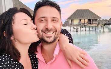 Жена известного ведущего пожелала любимому на день рождения сына