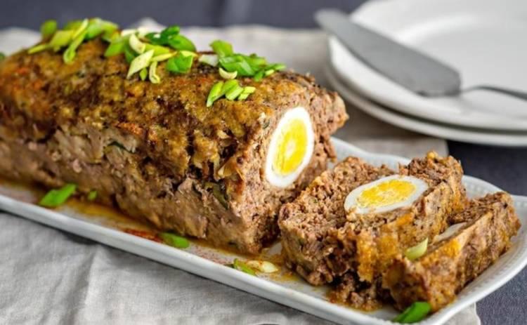 Поразите ваших гостей! Шикарный мясной рулет с яйцом (рецепт)