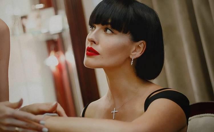 Полный декаданс: Даша Астафьева показала новые пикантные фото