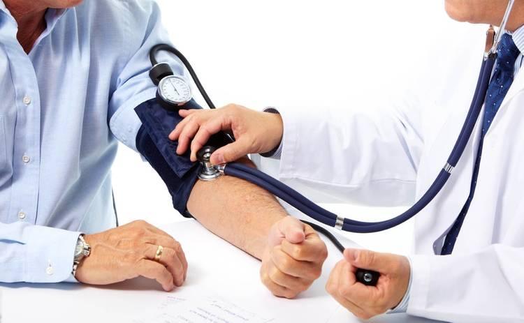 90% людей измеряют артериальное давление неправильно: медики рассказали об ошибках