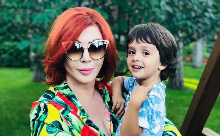 Ирина Билык умилила Сеть нежным видео с мужем и сыном