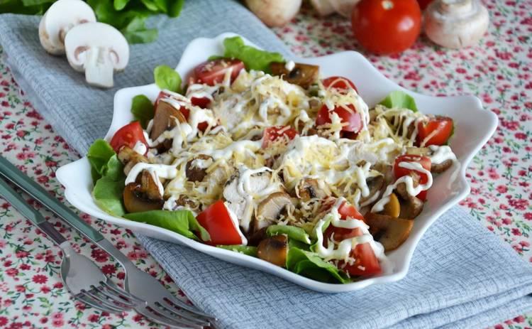 Вкуснятина! Салат с жареной куриной грудкой (рецепт)