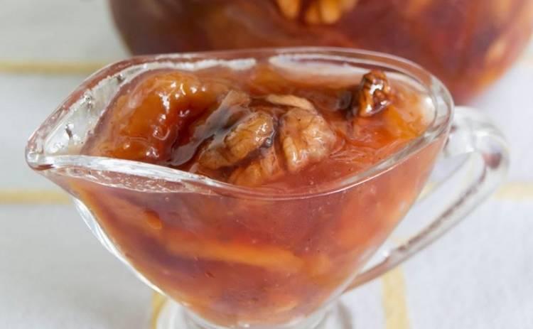 Яблочное варенье с орехами в мультиварке (рецепт)