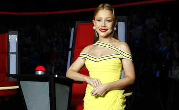 Эффектно! Тина Кароль впечатлила образом с двухцветным каре и в мини-платье
