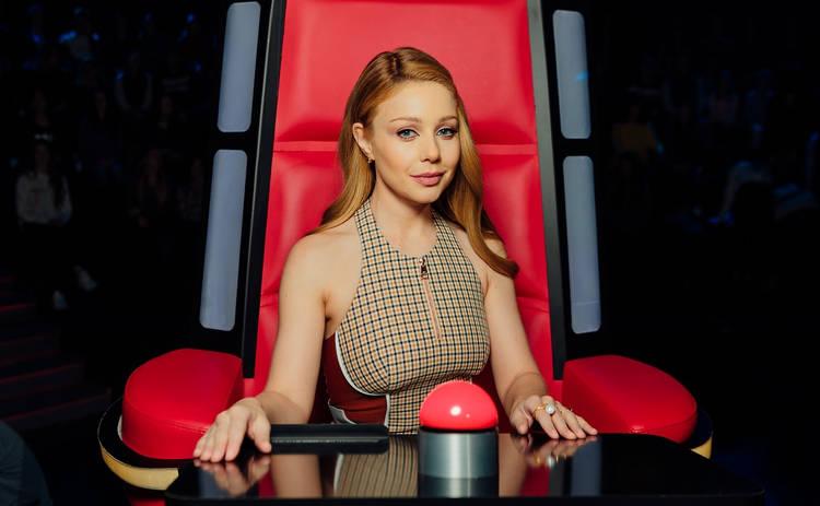 Красавец! Тина Кароль появилась в финале «Голосу країни-9» вместе с сыном