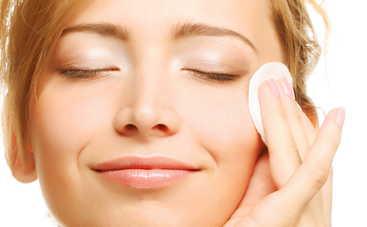 Ежедневные привычки, которые вредят нашей коже