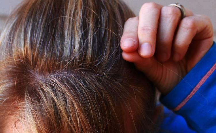 Рано седеют волосы: причины и методы борьбы с сединой