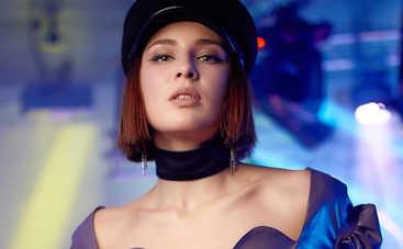 Больше не брюнетка: певица MARUV кардинально сменила имидж