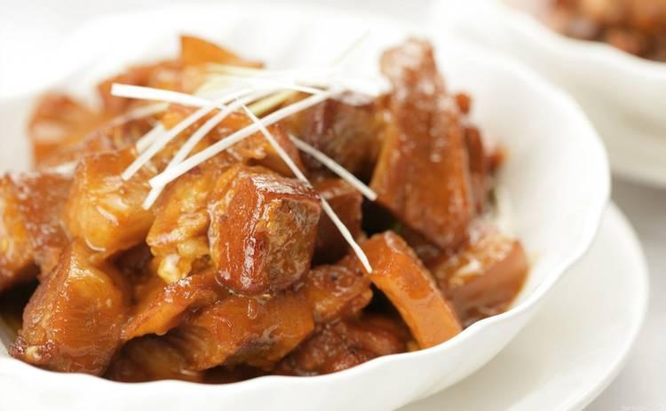 Гуляш из свинины на праздники: сочный и вкусный (рецепт)