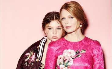 Красотки! Ольга Фреймут с дочерью Златой восхитили Сеть снимками в купальниках